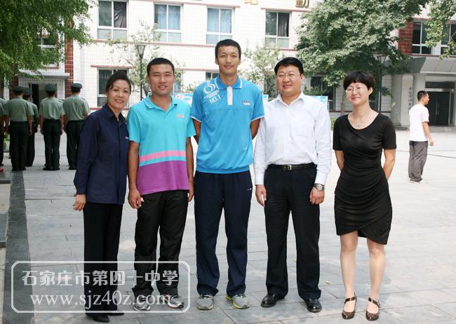 西安市67中学肖辉-喜讯 优秀毕业生臧策荣获400米栏全国冠军图片